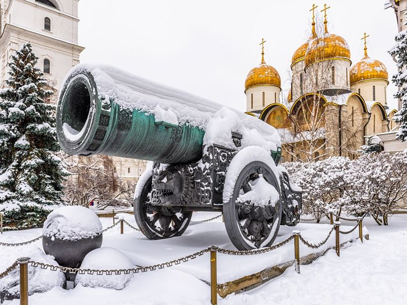 New Year in Arctic Circle Tour. Tsar Cannon and Dormition Cathedral in Moscow Kremlin